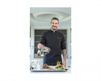 Ο Άκης Πετρετζίκης Αναλαμβάνει την Κουζίνα της Μαιευτικής Κλινικής ΜΗΤΕΡΑ